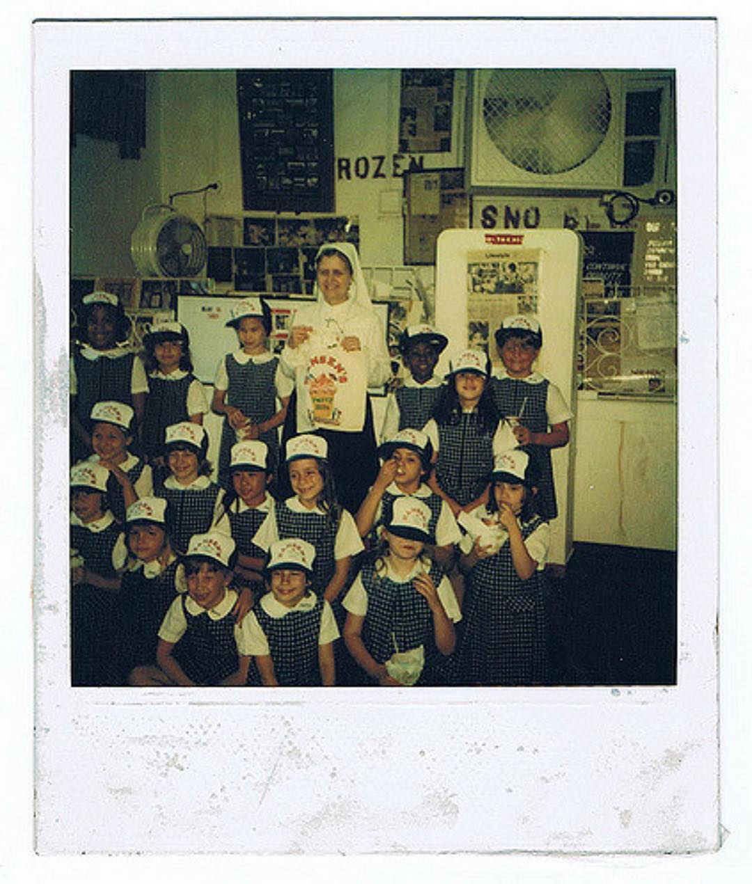 Wishing everyone a terrific start to their school year! Ashley & Allison Hansen's second grade class at @ursulinenola made a special trip to the stand, in this to 1980